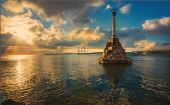 Севастополь Памятник затопленным кораблям Достопримечательности Экскурсии